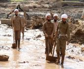 فعالیت گروههای جهادی طلاب اعزامی از سازمان تبلیغات اسلامی در مناطق سیل زده لرستان